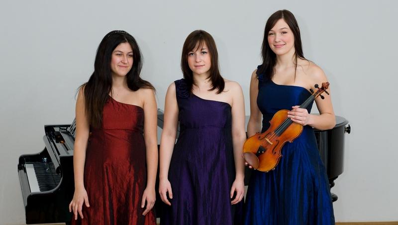 Trio Amarilis